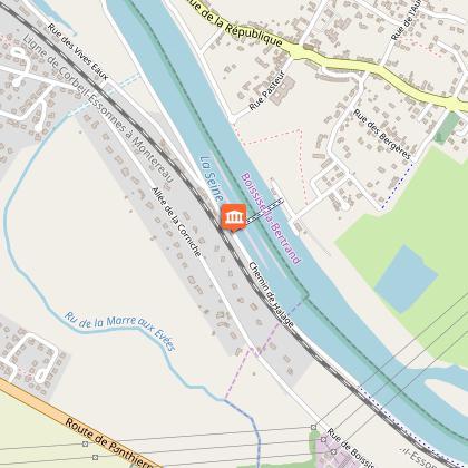 Le port des Vosves, l'écluse et le barrage des Vives Eaux