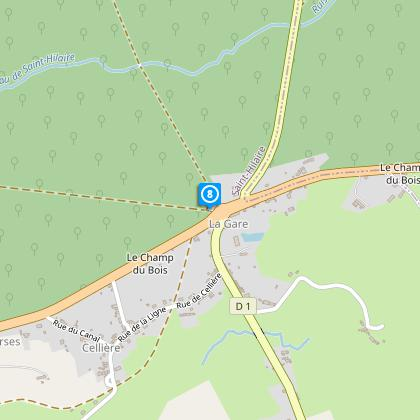 A l'intersection, prenez la route D11 à droite