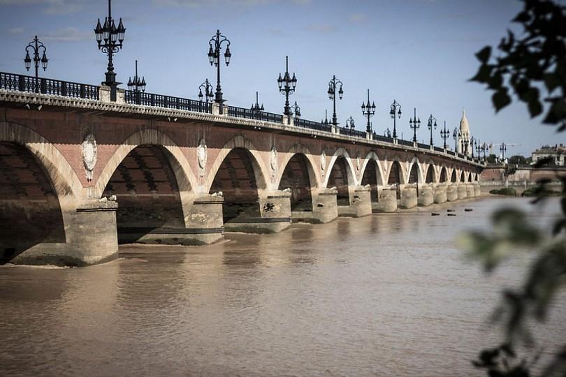 Les deux ponts de Bordeaux