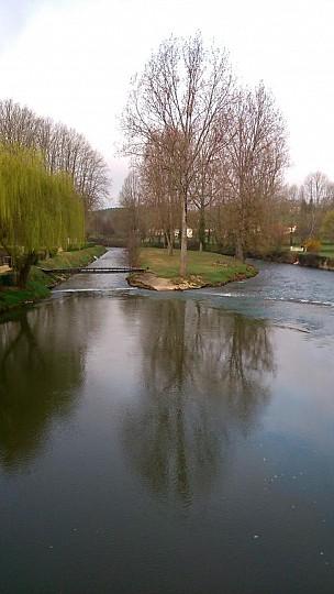 Boucle de la Fontaine de Ladoux à Tourtoirac