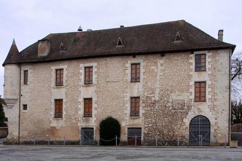 Boucle des tours de Vernode à Tocane