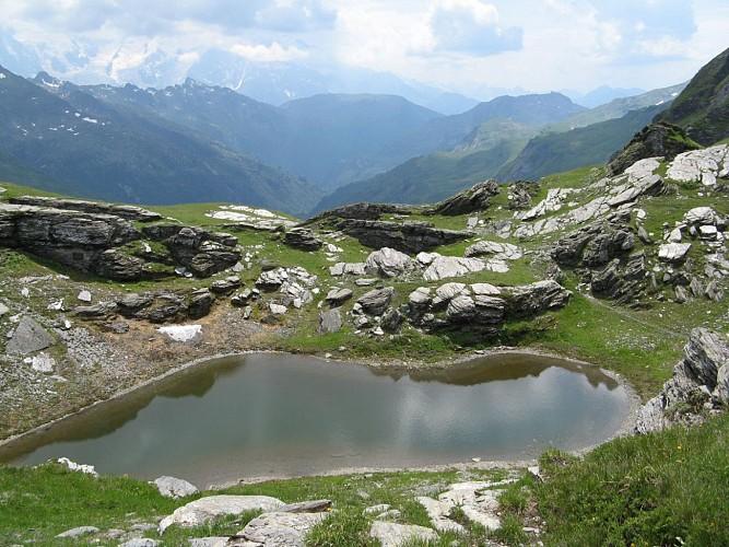 Petit lac du Col des Chaux