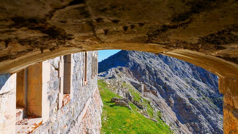 Balades et randonnées de Montgenèvre - Le tour des forts par le télémix des Chalmettes et le télésiège des Gondrans