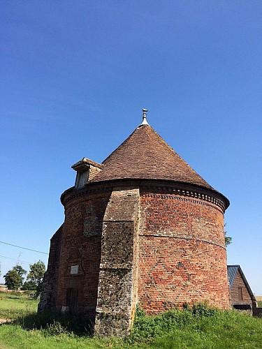 Château de Montlambert - Pigeonnier