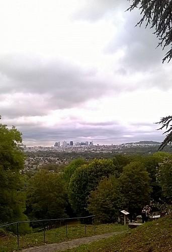 Louveciennes - Point de vue sur La Défense et le Mont Valérien