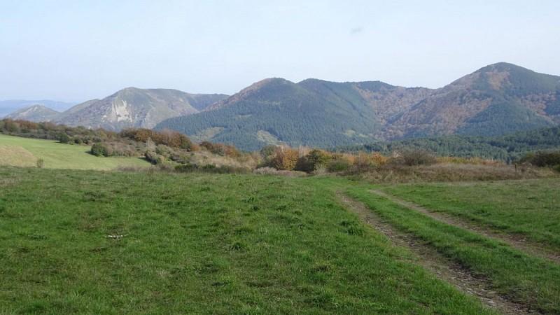 du Col de Thalis, vue vers S-E : Mts Cabanes, Agut, Ubac