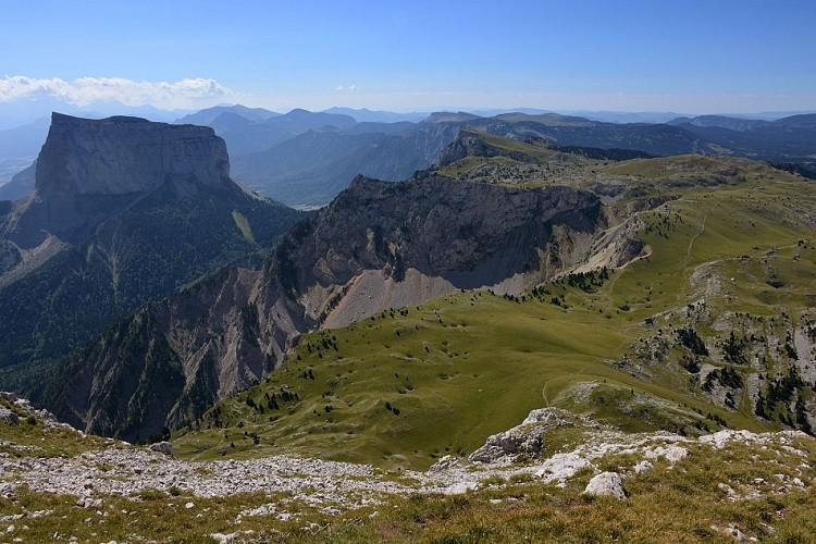 Le Mont Aiguille depuis le sommet du Grand-Veymont