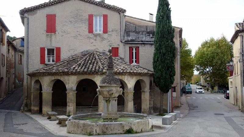 Fontaine au Dauphin - Mollans s/Ouveze