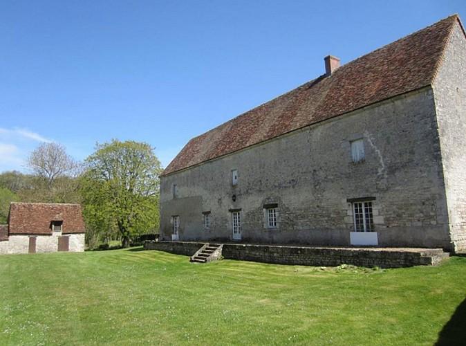 Ancienne-abbaye-cistercienne-de-Citeaux-2-ND-de-l'Aumone©P-Vandeweghe