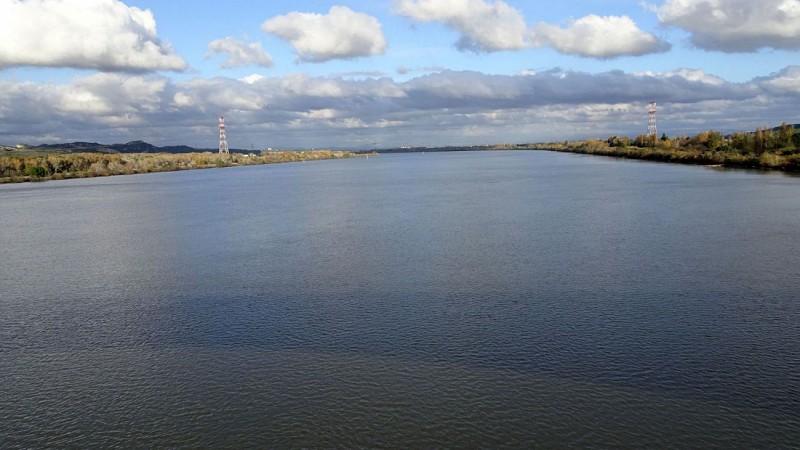 Le Rhone Amont au Pont d'Aramon