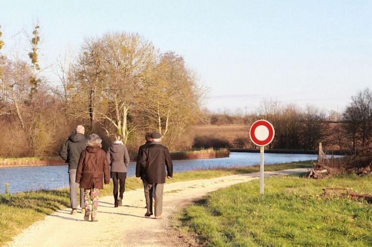 Canal à Ouzouer