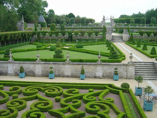 Du Château de Martragny au Château de Brécy. Grand tour