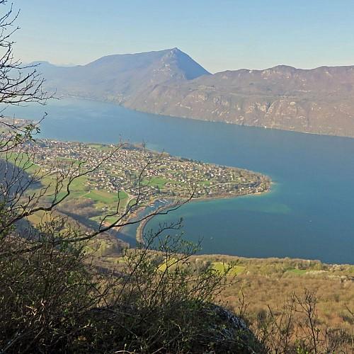 Le lac du Bourget depuis la croix de Meyrieu