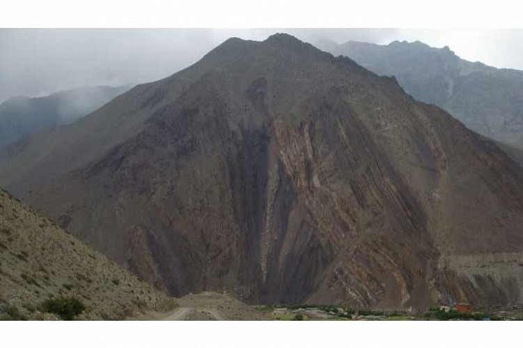 Golden Hill depuis Kagbeni-NEPAL