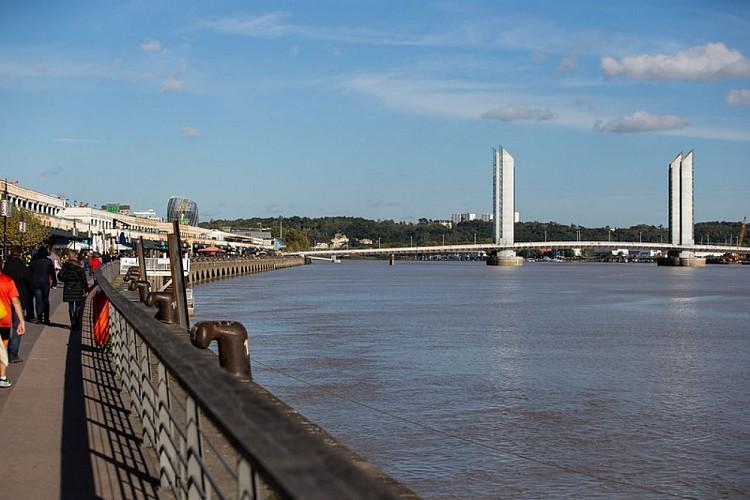 Balade à roulettes : Les deux ponts de Bordeaux