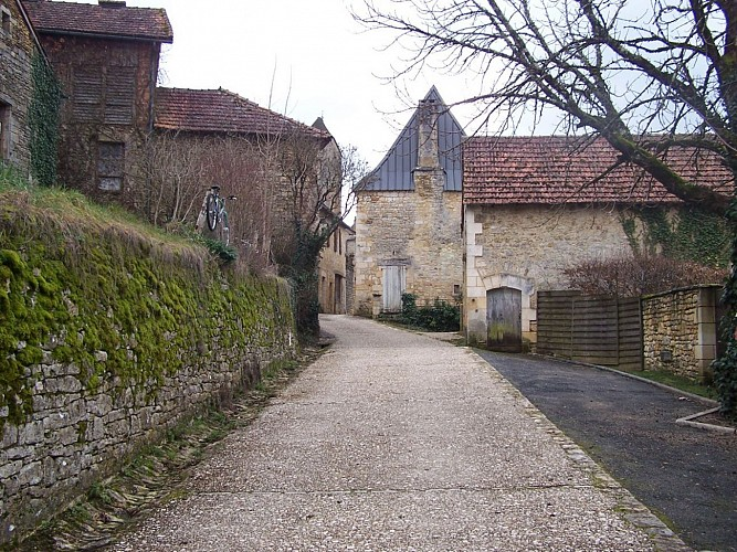 Saint Amand de Coly village pittoresque