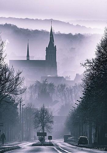 Dourdan dans la brume