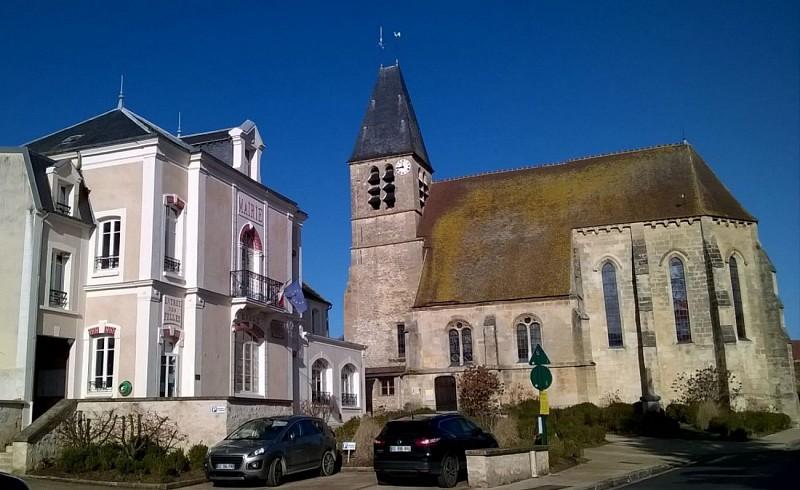 Longuesse - Eglise et Mairie