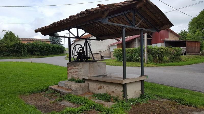 Lavoir - Circuit du petit patrimoine Luzillat