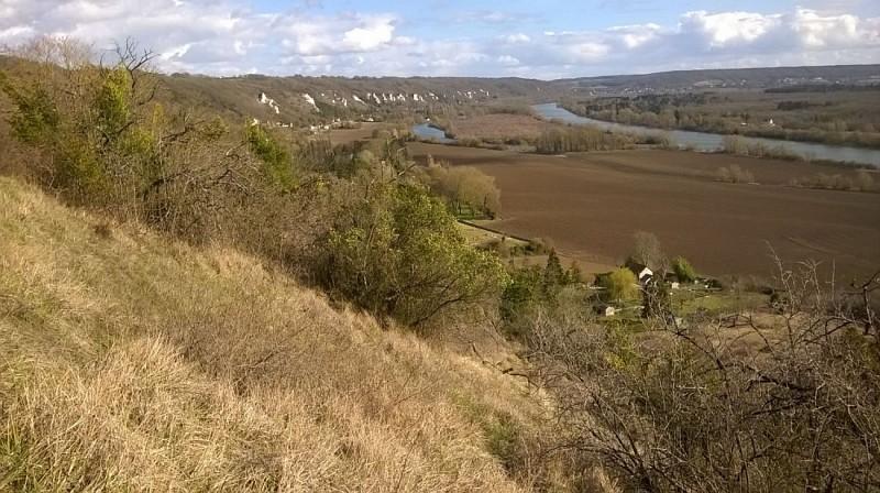 Vétheuil et ses falaises