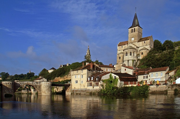 The history and natural beauty of the Montmorillon area