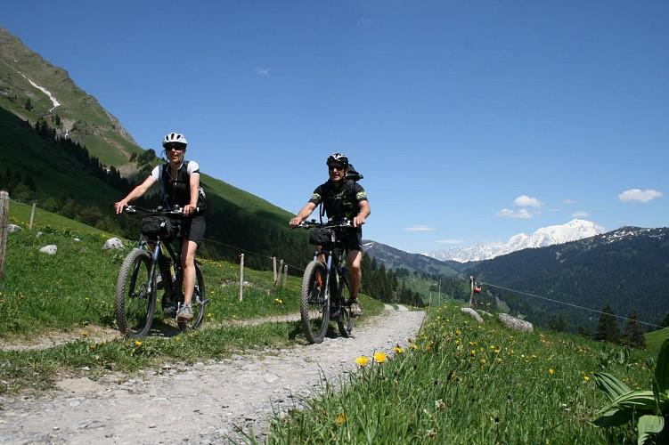 Route für Elektro-Bike - Auf den Hügeln von La Giettaz