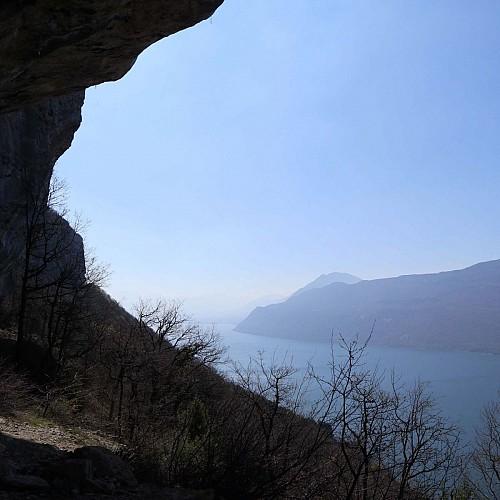 Sous les falaises entre La Chambotte et Le Sapenay