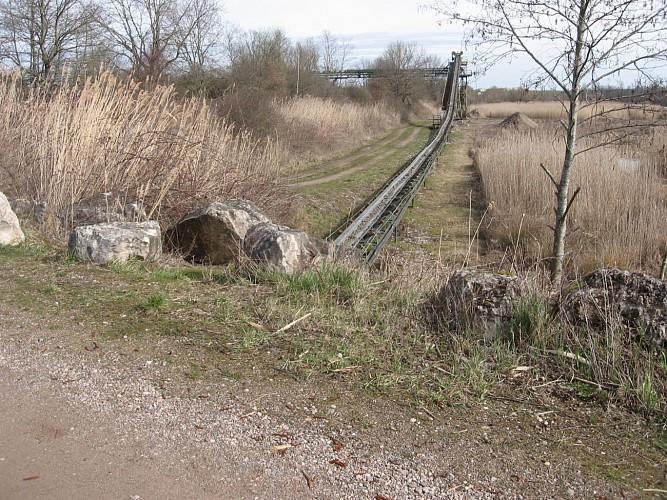 90.Breurey.(70).Tapis roulant parallèle à ligne SNCF déclassée,aux Grands Partages.