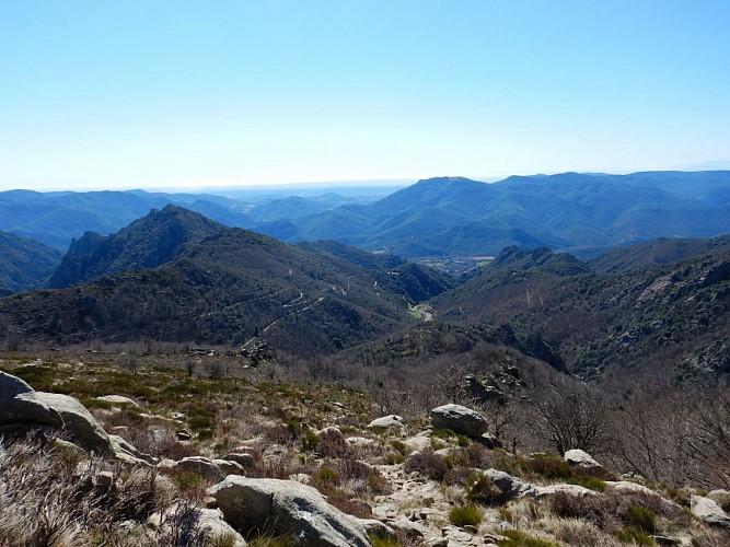 Taoutello, vue vers la vallée du Jaur