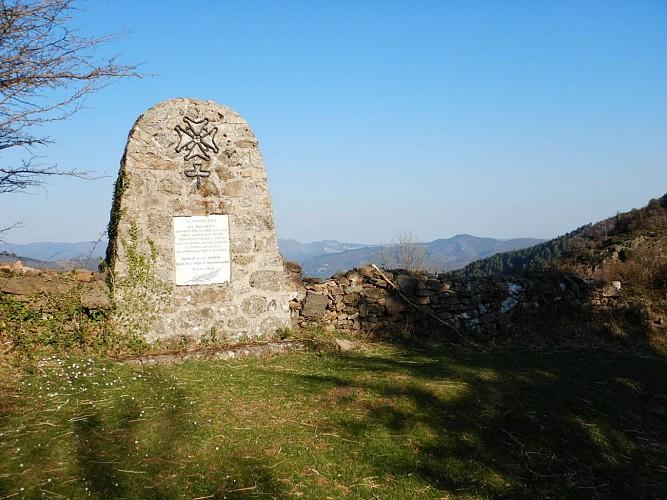 Stèle huguenote au Col de Mouzoulès