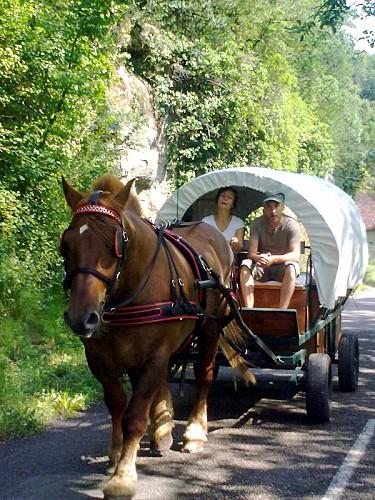Circuit en chariots western dans le Lot