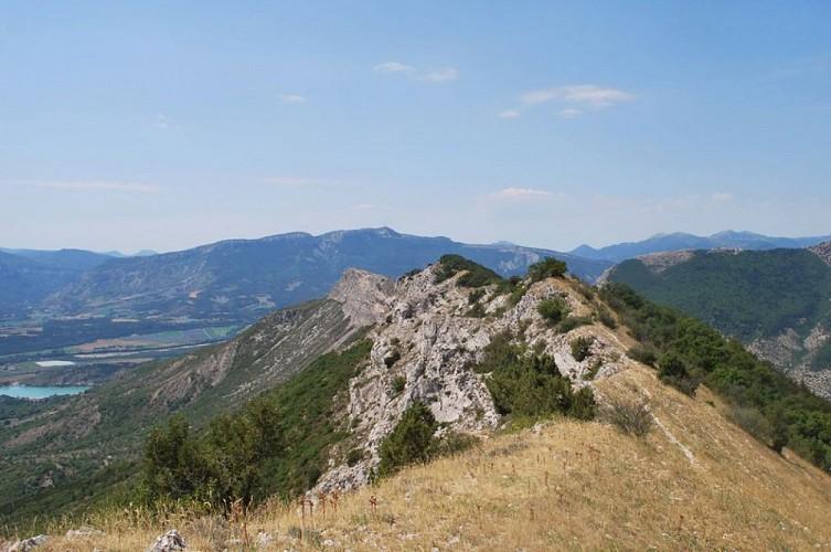 """Percorso escursionistico """"Le Tour de la Montagne de Saint Genis"""""""