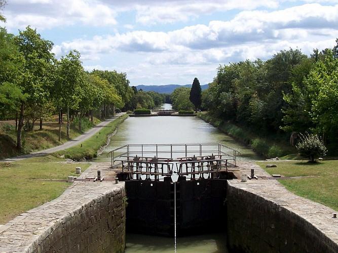 Canal du Midi à vélo de la Méditerranée à Castelnaudary