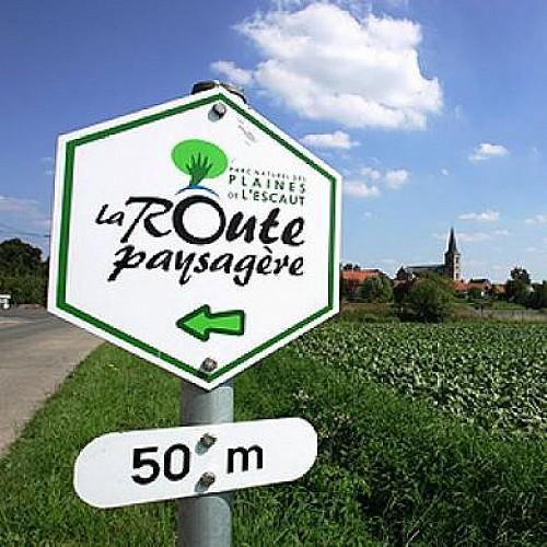 Die Landschaftsstraße (La route paysagère)