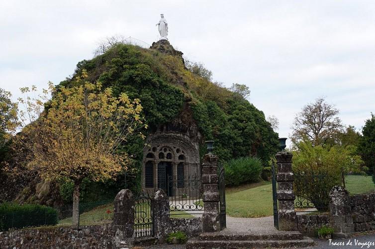Chapelle monolithe de Fontanges