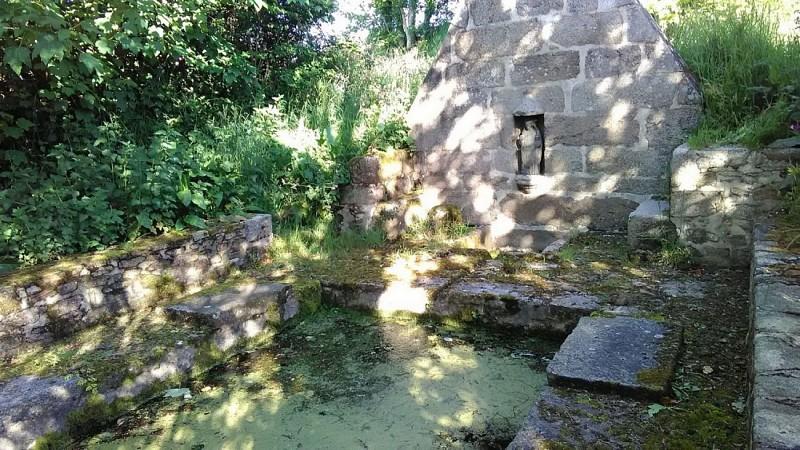 Fontaine & lavoir du Naount