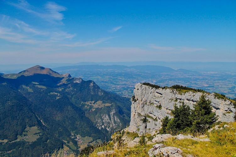 The Leschaux Rocks loop