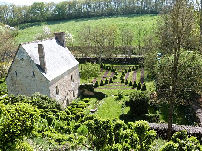 BEAUMONT-SUR-DEME / Les plateaux Beaumontais