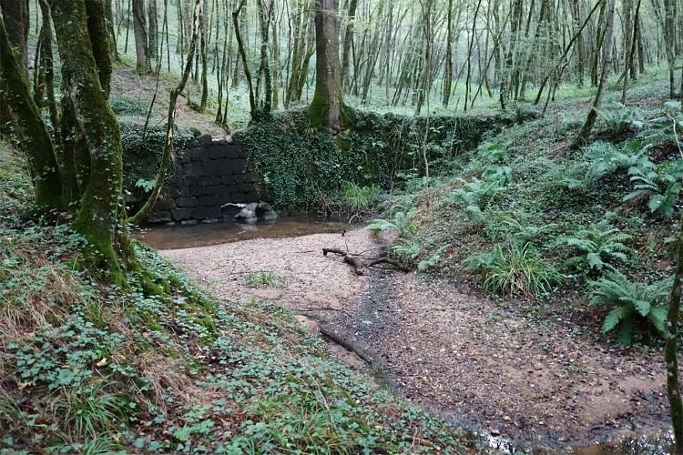 Sentier de Blancou, le Touron - Queyssac-les-Vignes