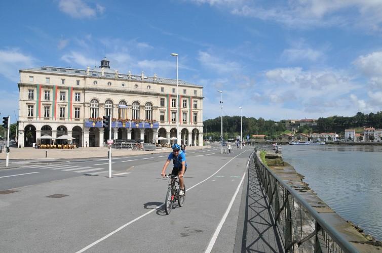 """La """"V 81"""" de Biarritz à Urt"""