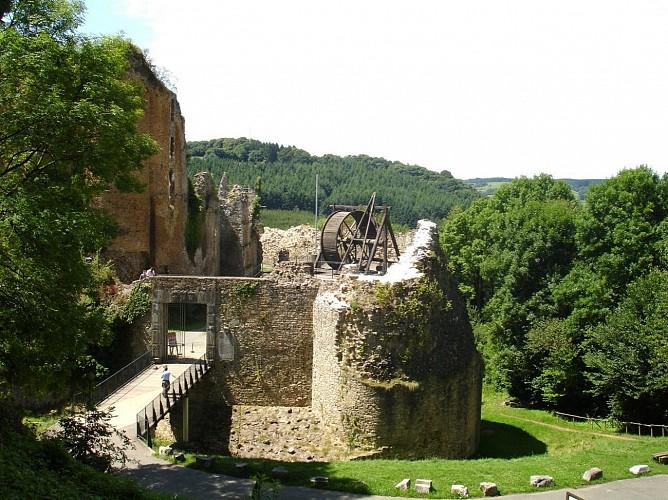 Zu Fuß um die Burg von Franchimont