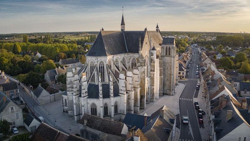 Basilique Notre-Dame de Cléry. Le chevet