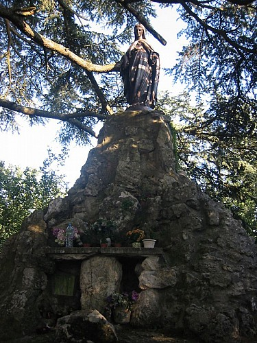 Mont des Élus. Statue de la Vierge.