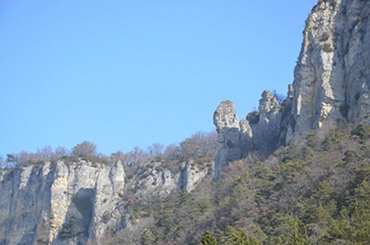 Rocher de St Supière et plateau du Savel à Gigors-et-Lozeron