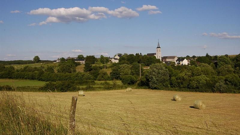 Vue Champs et village Sinsin2