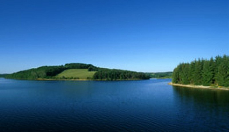 Autour du lac de Pareloup à vélo
