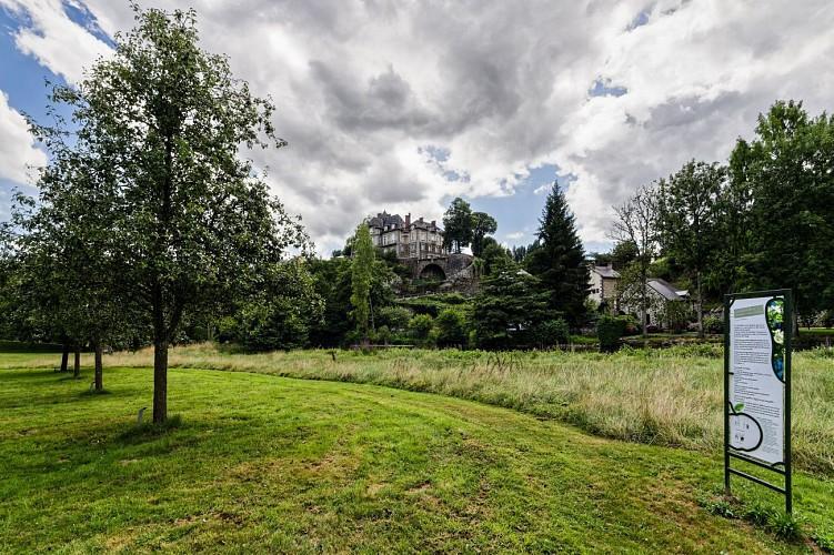 AMBRIERES-les-VALLEES - Conservatoire pomologique