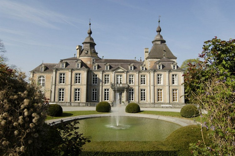 Zu Fuß um das Schloss Modave