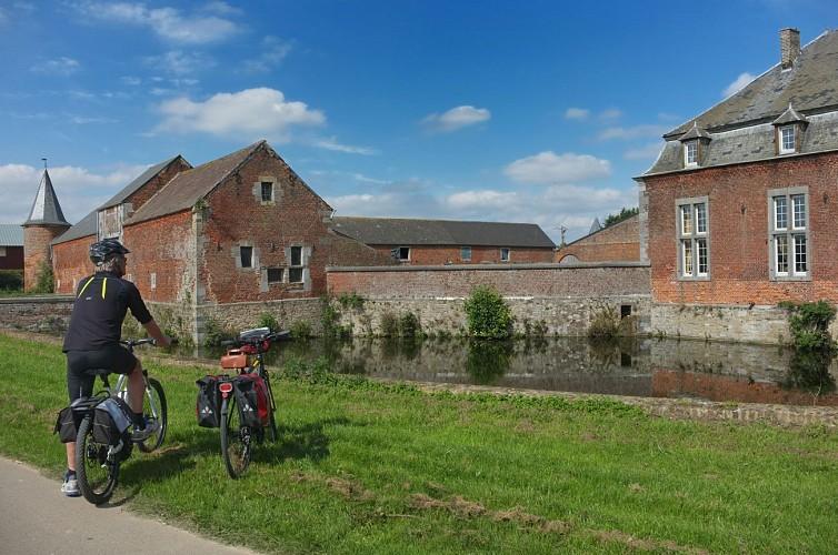 Mit dem Fahrrad in die Umgebung des Schlosses von Fernelmont