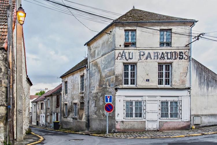 """Café """"Le Paradis"""""""